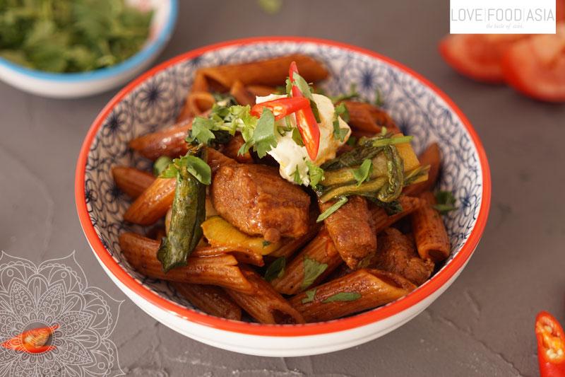 Vietnamesische Pasta (Nui Xao Bo)