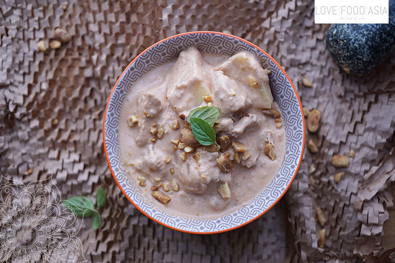 Massaman Curry mit Hähnchen