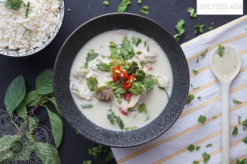 Gruenes Thaicurry mit Hähnchen (Gaeng Kiaw Wan Gai)